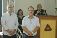 Diretor Petri e o secretário Ronaldo Guardião representando o prefeito Municipal